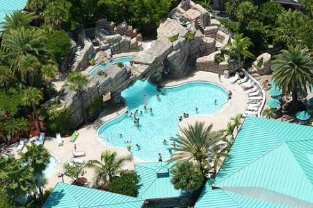 Host Hotel Radison Resort At The Port